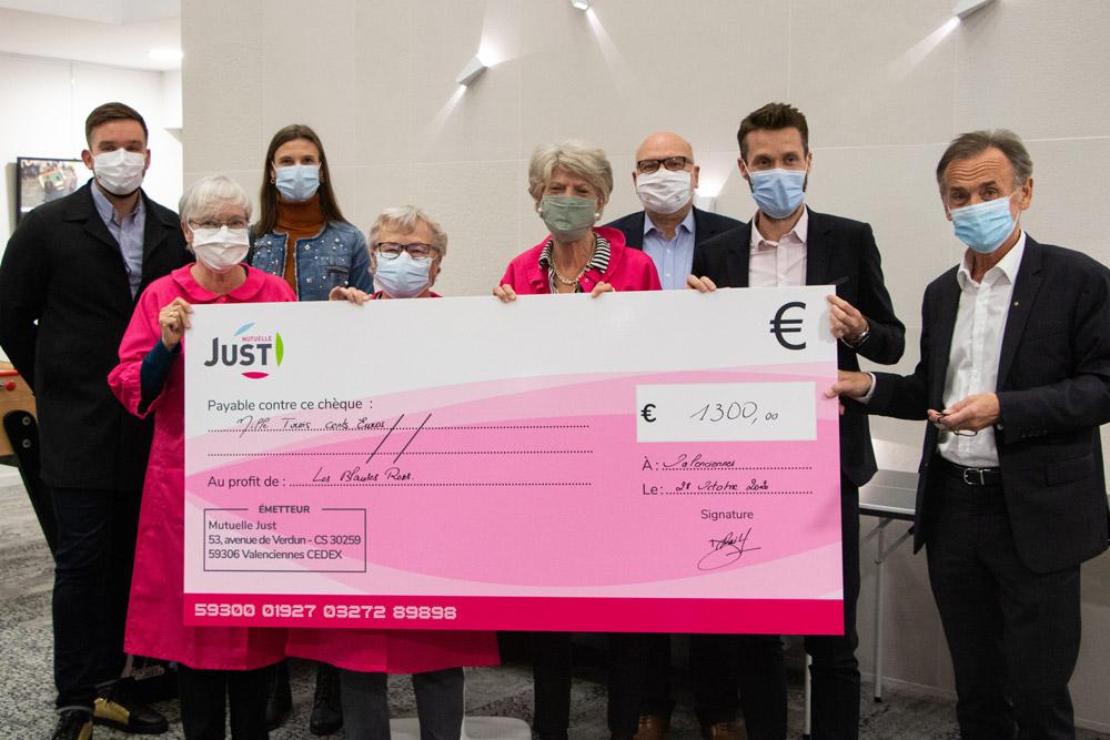 Pour Octobre rose, la Mutuelle Just reverse 1300€ aux Blouses roses